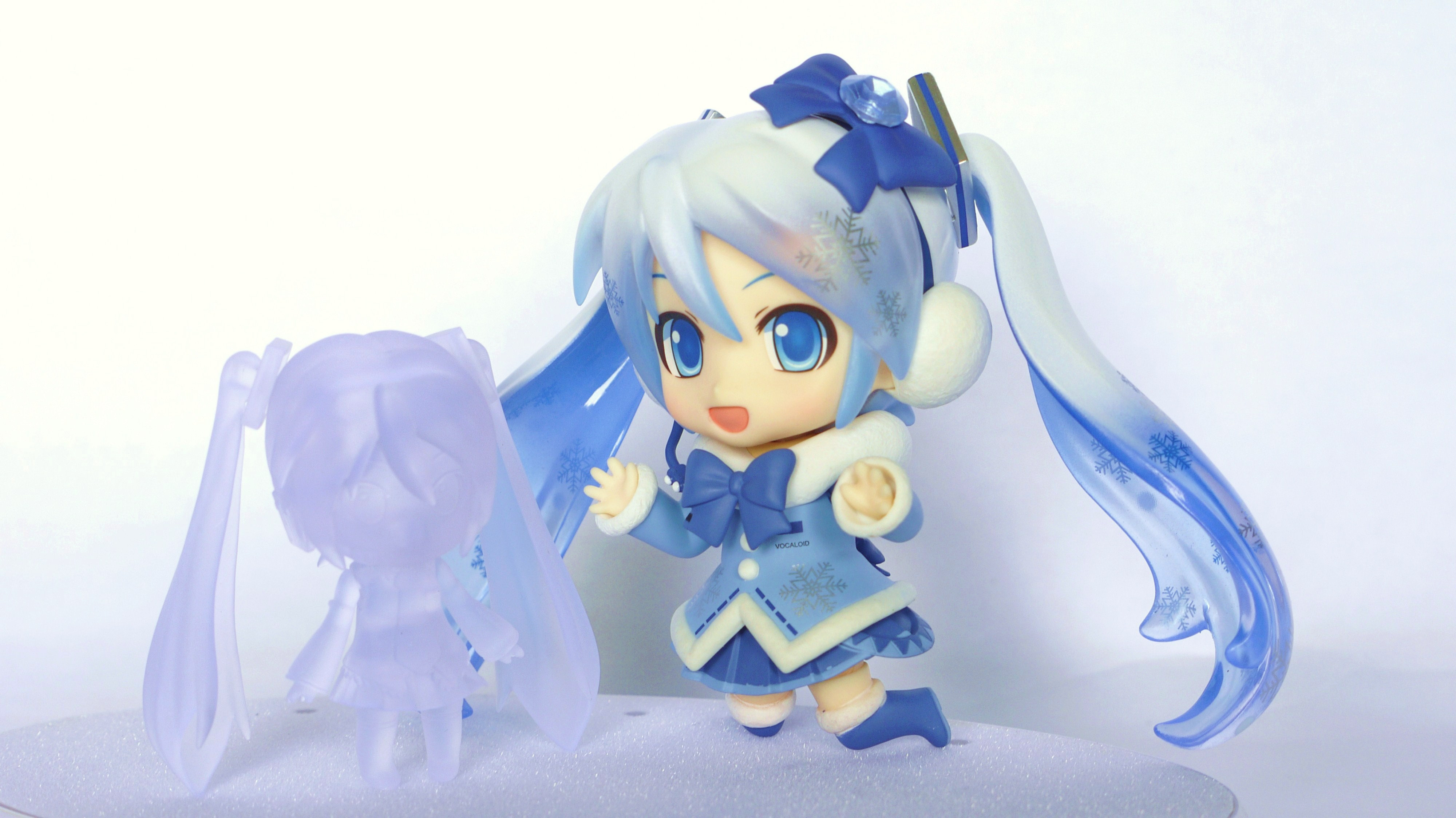Review: Nendoroid Snow Miku 2012 (Fluffy Coat Ver.)   赤信号